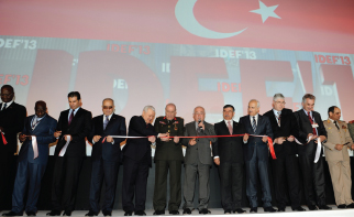 IDEF 13 Met with Local and Foreign Visitors in İstanbul