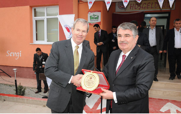 Boeing Continues to Support Education in Turkey