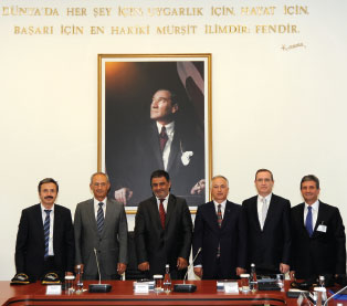 Aselsan and Havelsan Team up for Turkish LPD