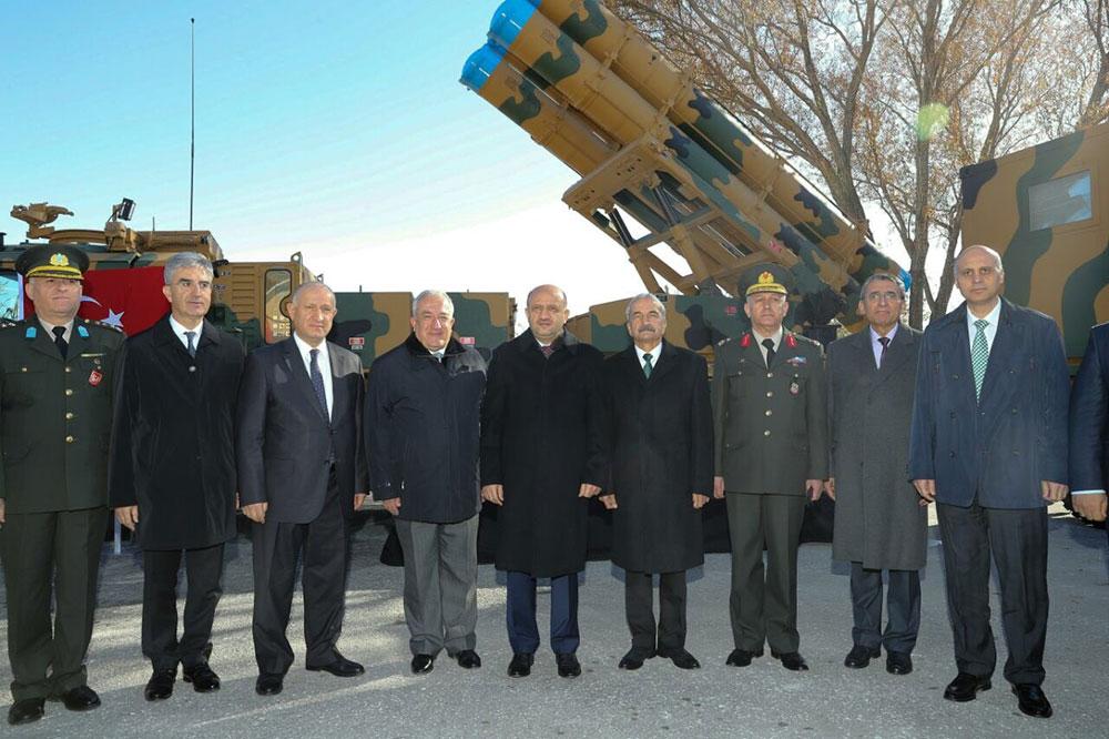 """Roketsan """"Kasırga"""" 302mm Füze ve Silah Sistemini TSK'ya Teslim Etti"""