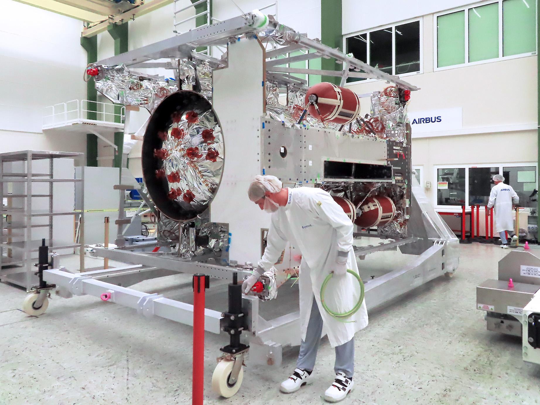 Jupiter probe JUICE: Final integration in full swing