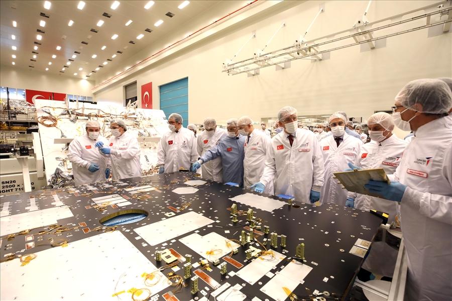 Sivil ve Askeri Görüntü İhtiyacını Karşılayacak Olan Millî Uydu İMECE'nin Son Montajı Yapıldı