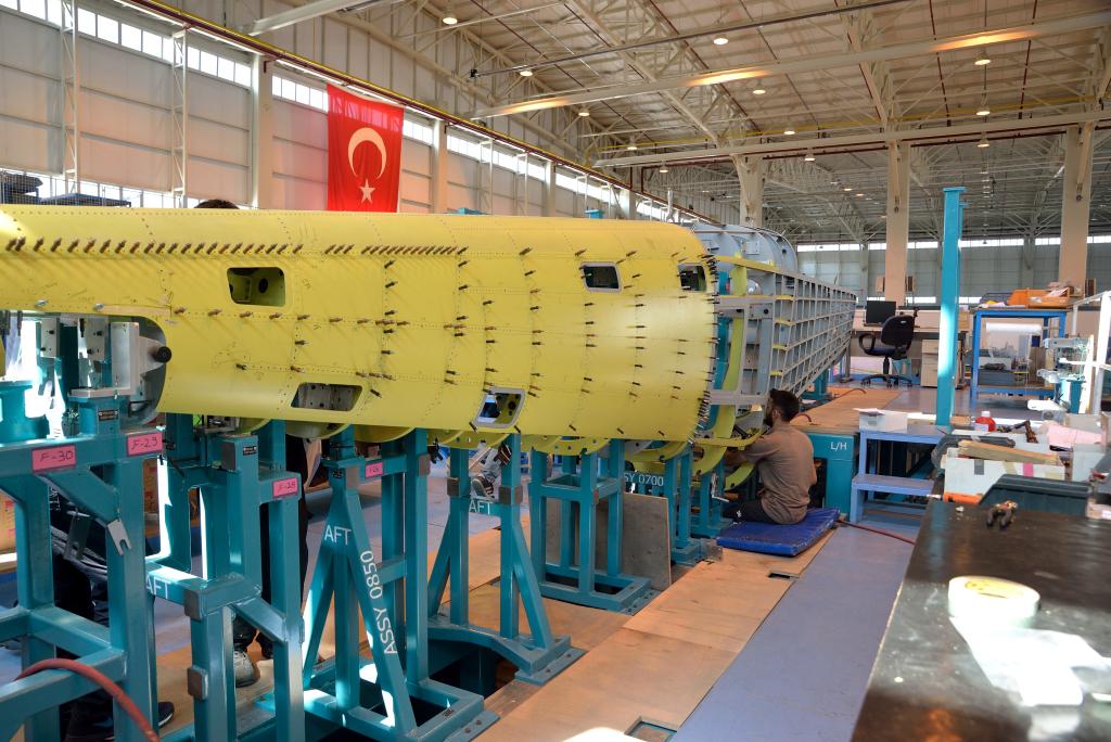 Hürkuş-B serial production, Hürkuş , TAI , Defense, Aerospace, Hürkuş Aircraft, Hürkuş Assembly Line, Wing Coji, Turkish Aircraft
